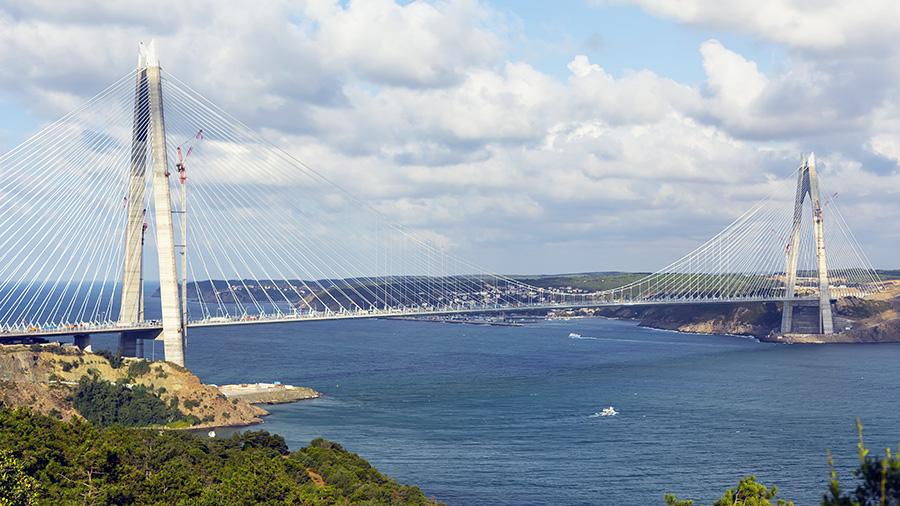 Le 3ème pont du Bosphore en Turquie, avec l'expertise aérodynamique du CSTB