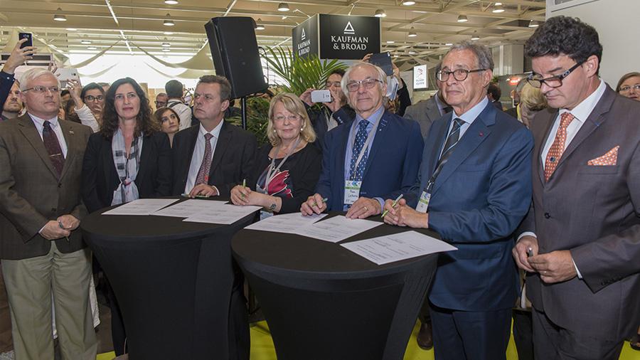 Le CSTB signe l'Alliance WoodRise