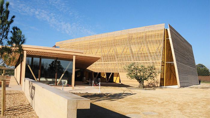 Focus sur Gaujard technologies scop, façade en bois et paille de blé