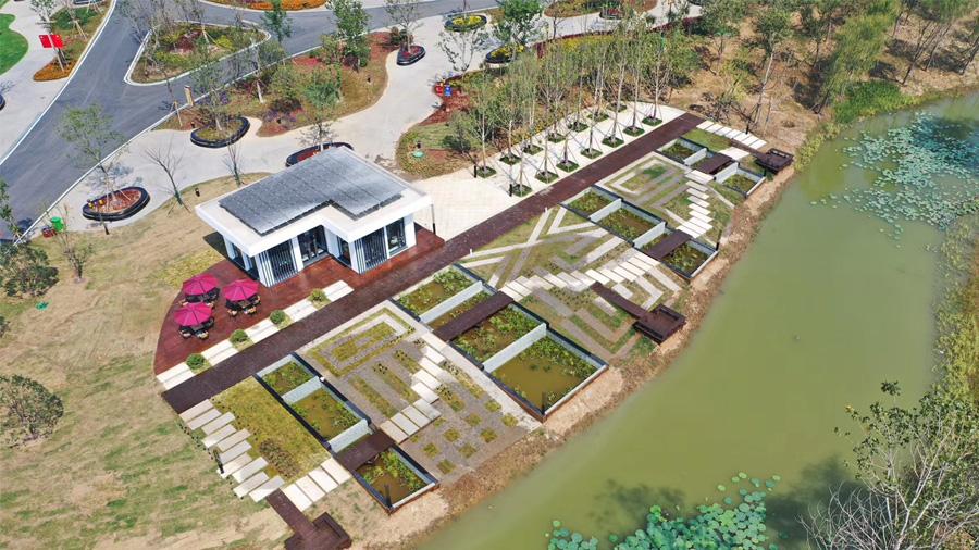 Inauguration d'un jardin français conçu par le CSTB dans le cadre du partenariat sur les éco-cités franco-chinoises
