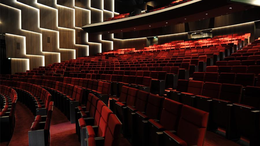 """A unique acoustic experience: """"Les Malices de Carmen"""" at the Quinconces Theater in Le Mans"""