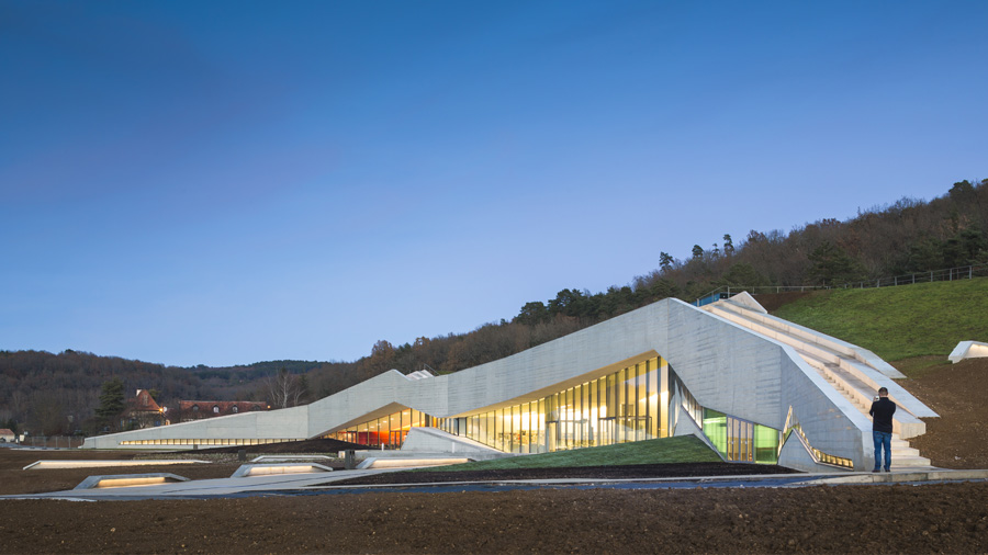 Innovative green roof for Lascaux IV